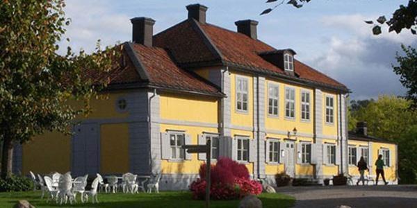 Middag på herrgård i Stockholms skärgård